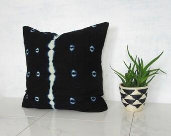 Indigo Mudcloth Pillow Cover / Bogolanfini Linen White Navy African Mud Cloth Handmade Organic Cotton Natural Dye Various Sizes Boho Modern