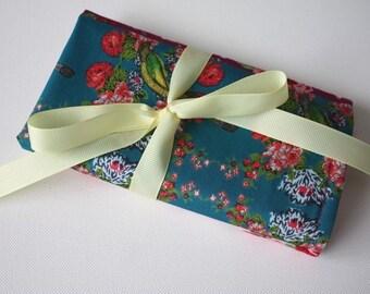 Floral birds and butterflies crochet hook Dpn needle holder roll case organiser kitsch - holder only