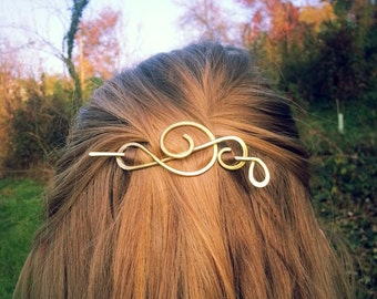 Treble clef hair clip - Music notes gift - Singer gift - Brass brooch for sweater - Shawl pins - Womens gift For her