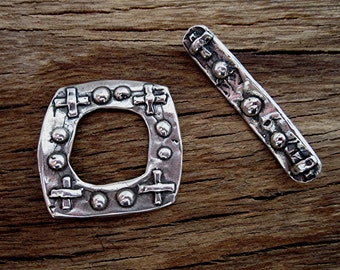 Large Santa Fe Style Dot and Cross Toggle Clasp in Sterling Silver (one) (A)