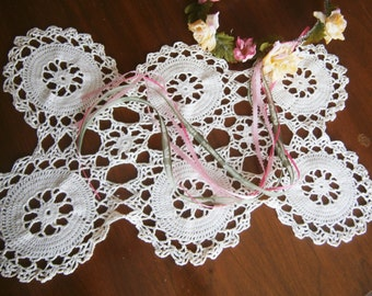 White Wagon Wheel Doily / Table Topper / Centerpiece / Hand Crocheted Vintage Doily
