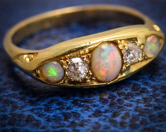 Antique Victorian Opal & Diamond 5-Stone Ring in 18k Gold, c1890