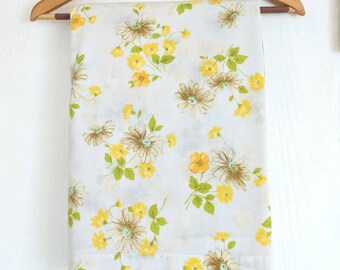 Vintage Double Flat Sheet  / Yellow Floral / Vintage Linens