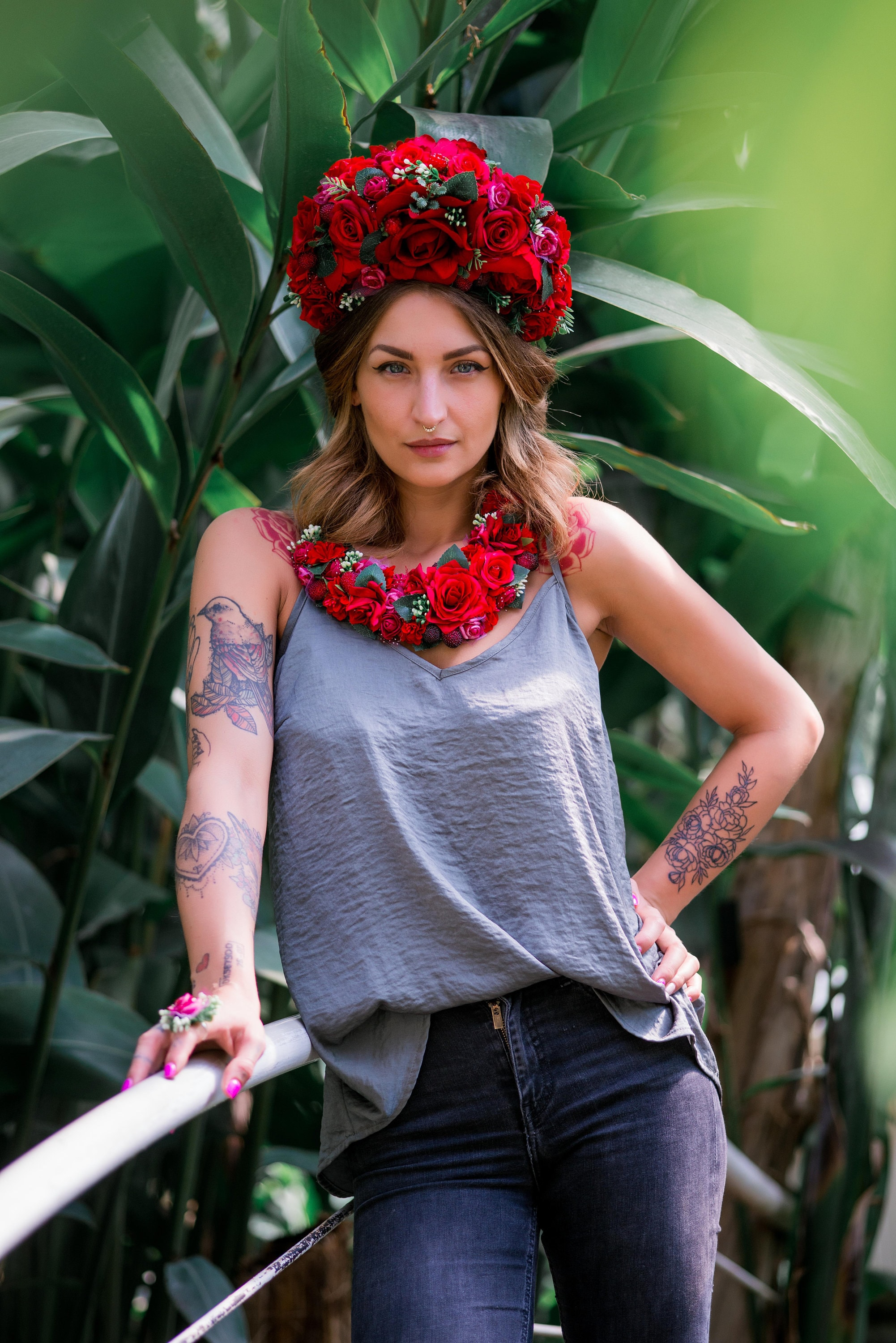 Significant red rose flower crown huge floral headband zoom izmirmasajfo