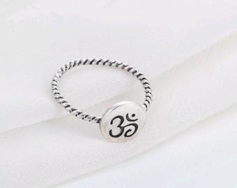 OM shanti yoga ring - silver