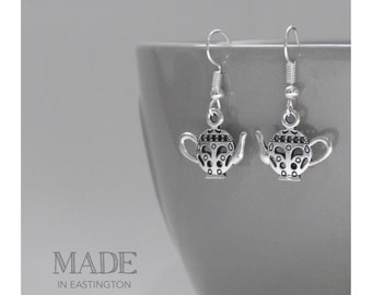 Alice in Wonderland Earrings - Tea Party earrings - Tea lover - Alice in Wonderland jewellery - Dangle earrings - Gifts for her