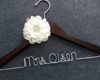 Wedding Dress Hanger, Bridal Hanger, Engagement Gift, Mrs Hanger, Personalized Bride Gift, Shower Gift, Lace Flower Hanger, Bride Hanger