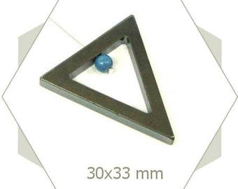 4 large triangles PK02 black hematite beads