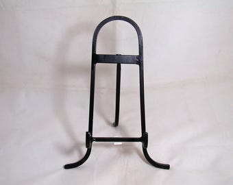 """Easel Wrought Iron Medium 9"""" Holds Objects Up To 1 1/2"""" Thick"""