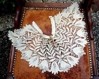 Belle époque / Victorian 1900s handmade lace collar