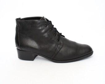 EU 38.5 - black ankle boots women - vintage black shoes size UK 5.5 / US 8 - 90s granny women shoes - soft lining - 1990s lace shoes