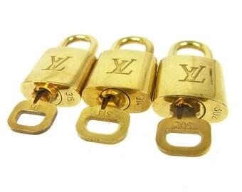 3 Authentic Louis Vuitton lock, LV lucchetto, Lv bag, Original Louis Vuitton, Lucchetto originale Louis Vuitton, Louis Vuitton set on Etsy