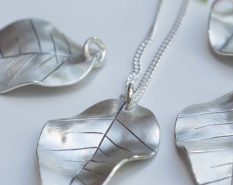 Mother's Day Gift, Silver Leaf Necklace, Leaf Jewelry, Gift for Mom, Leaf Pendant, Nature Jewelry, Gift for Her, Long Silver Necklace