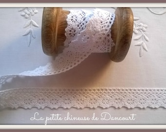 Lace white Capucine