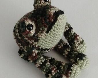 Green Camo Amigurumi Frog, Stuffed Crochet Frog