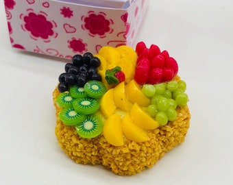 Miniature Fruit Cake with box decorate for dollhouse