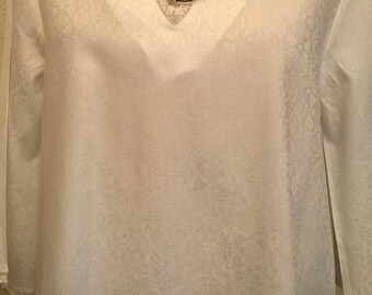Cotton tunic with apples and white lace