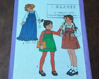 Vintage 1978 Simplicity 8712 Child's Pullover Jumper and Blouse / Girl's Pullover Jumper / Two Lengths / Child's Size 3 / Ruffled Jumper