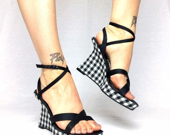 Vintage 90s black white chequeres checked wedges strappy heels UK 4 EU 37 US 6.5