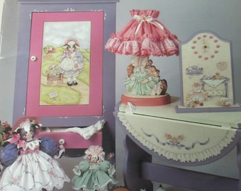 """K Decorative 1991 Folk Art Tole painting """" Home Happiness"""" by Donna Spiegel used book 36 pages"""