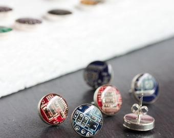 Sterling silver studs with Circuit board piece - 10 mm - modern geeky jewelry, stud earrings, cyberpunk
