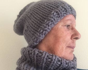 Snood (grey) super-bulky