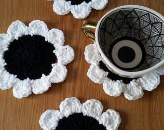 MTO/ Daisy Coaster Set / Flower Coaster Set / Crochet Flower Coaster Set / Daisy Coasters / Crochet Daisy Coasters / Daisy Decor / Set of 4