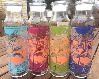 Reusable 22 oz. glass bottle with Charleston GYOR design