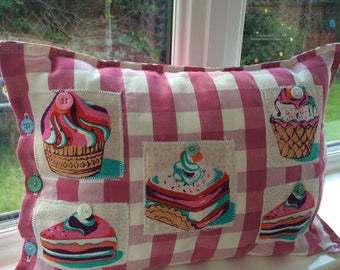 Cupcake Cushion, cake lovers Cushion, gifts for her, birthday gift for her, pink gingham cushion