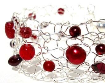 January Birthstone Bracelet, Garnet Bracelet, Gemstone Bracelet, Red Bracelet, Holiday Bracelet, Beaded Bracelets, Handmade Jewelry Gift
