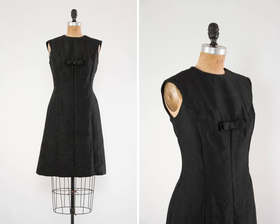 vintage 1960s shift dress | 60s mod dress | vintage little black dress | 1950s wiggle dress