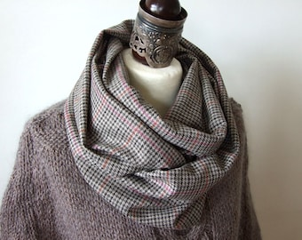 Italian wool infinity scarf / beige gray brown houndstooth/ unisex wool scarf / man's plaid scarf / elegant men's scarf / gift for men