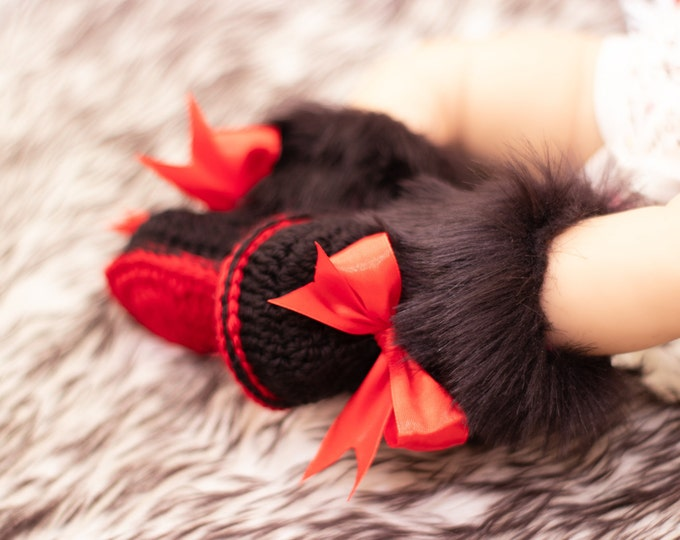 Faux fur booties with bows - Baby girl booties - Newborn Booties - Minnie Mouse bootiess - Crochet booties - Baby girl gift- Baby girl shoes