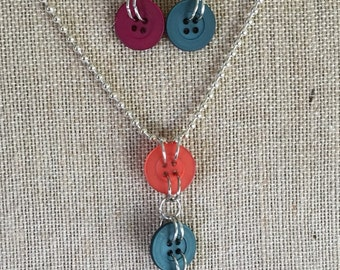 Super fun button necklace and earring set, ball chain