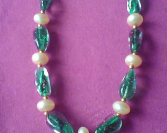 Necklace glass and mother of Pearl series Lola N 2