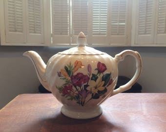 Wood & Sons Floral Teapot