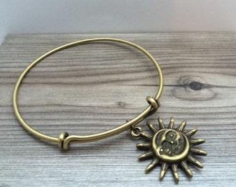 Bronze tone Sun & Moon Charm Bangle, Sun Moon jewelry, Sun Moon Bracelet, Boho jewelry, Celestial jewelry