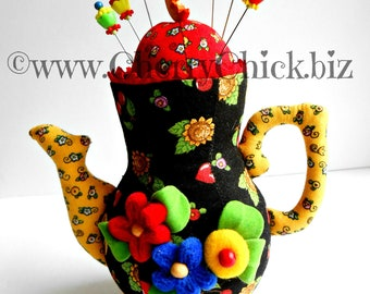 Mary Engelbreit Pincushion - Teapot Pincushion - Sewing Pins - Mary Englebreit - Teapot pincushion - Quilting - Sewing - Cherry Chick