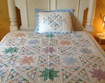 Vintage quilt Twin bed quilt Pillowsham Pastel colored quilt Vintage bed cover Cottage chic decor Country cottage quilt