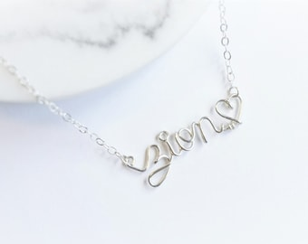 Simple customized necklace (8 letters MAX).