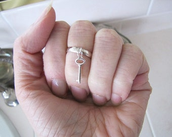 Sterling Silver Toe Ring with little key charm, Knuckle ring or Pinky ring, size 3.5