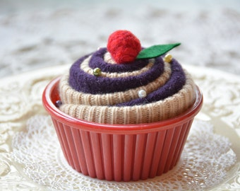 Cupcake Pincushion, Pincushion, Cupcake Gift, Cupcake Decoration, Christmas gifts under 15 dollars