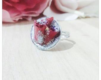 Eternal red rose petals Paeonia II ring tender