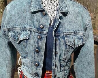 1980s Aqua/Teal Cropped Acid Washed Denim Jacket