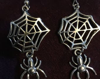 Small spiderweb earrings