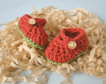 Baby First Christmas Booties, December Baby Reveal, Baby Girl Booties, Wood Buttons, 0-6 Weeks, Mary Janes, Baby Shower, Baby Gift,