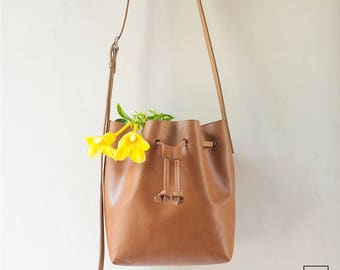 DUNTROON NEW MODEL // Lightweight // Leather Bucket Bag / Tan Color / Full Grain Leather / Handmade