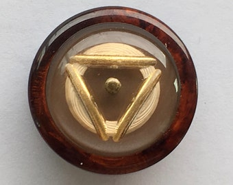 Lg bakelite button /coat button vintage /tortoise shell root beer /gold inlay geometric /vintage plastic collectors button /DUP bakelite OME
