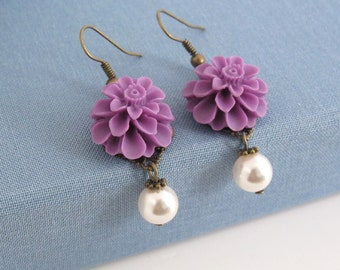 Purple Flower Earrings. Vintage Style Nature Woodlands Inspired. White Pearls Dangle Drop Earrings. Bridal Wedding Ear Jewelry