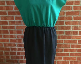 Vintage Cary Robbins green and black dress. Size 12/L